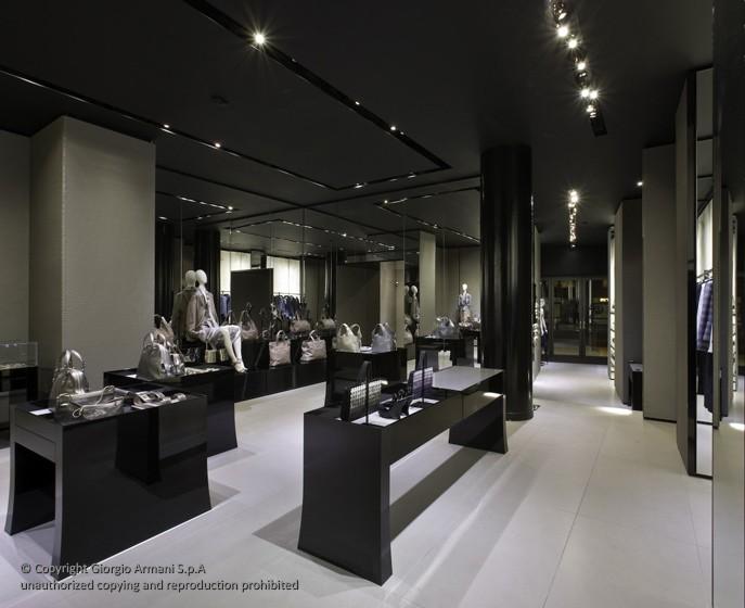 Nicola zema architetto design to improve shop experience for Giorgio armani architetto